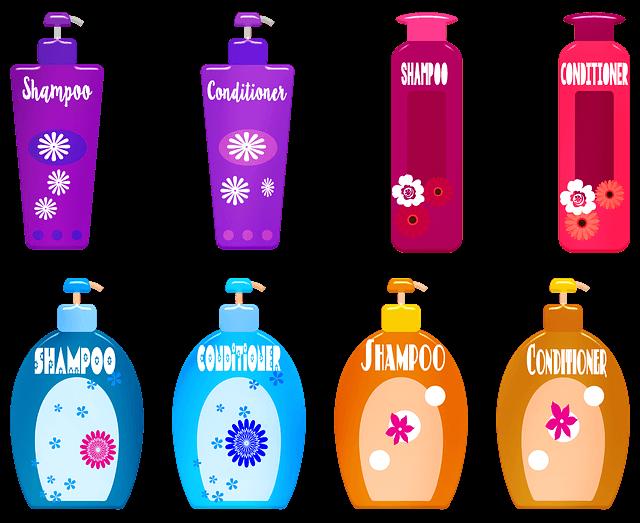 シャンプー・コンディショナーのカラフルなボトル